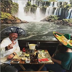 pareja la fondue mexicana